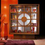 Шкаф витрина в итальянском стиле