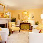 Желто-белый интерьер гостиной