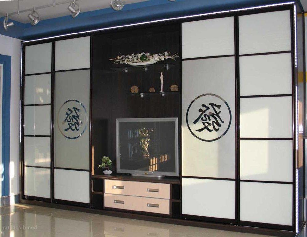 Фасад шкафа-купе из матового стекла