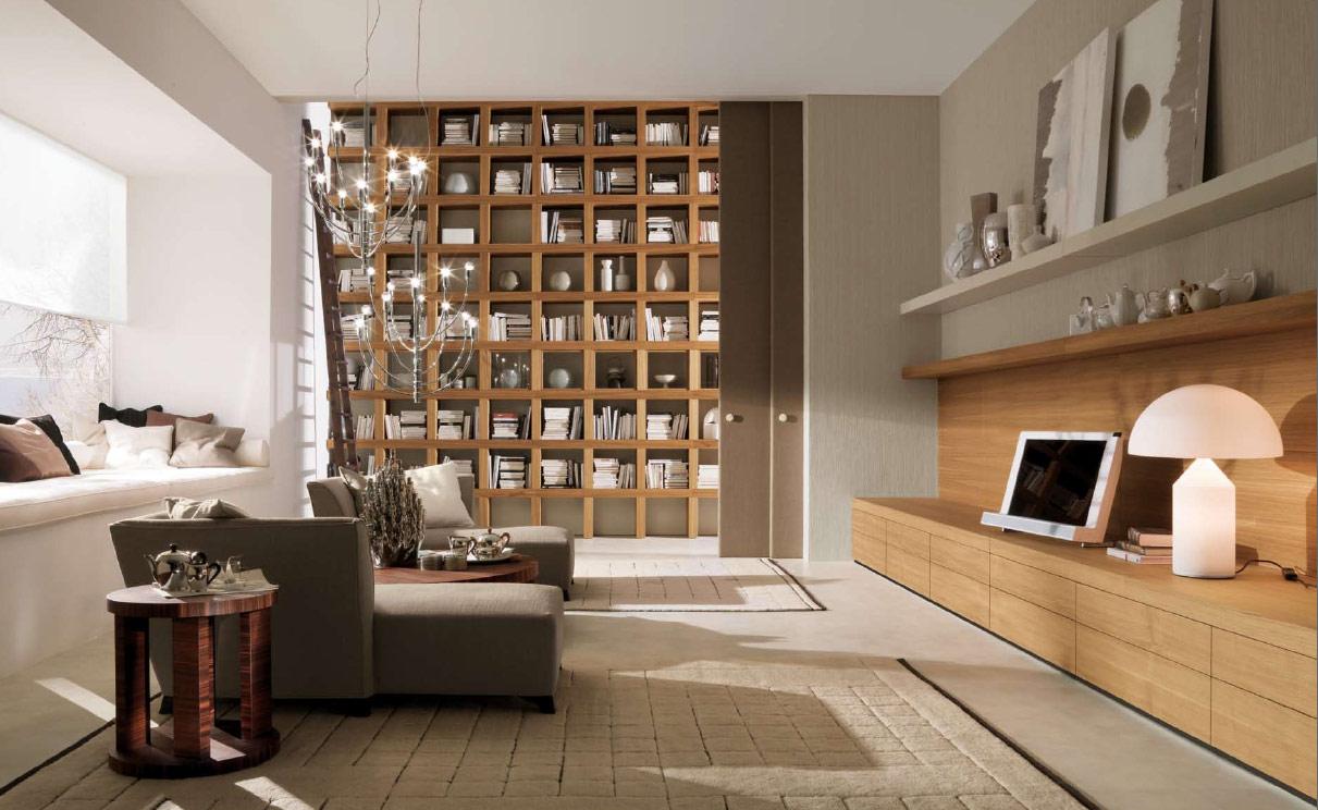 Деревянные книжные полки в интерьере гостиной