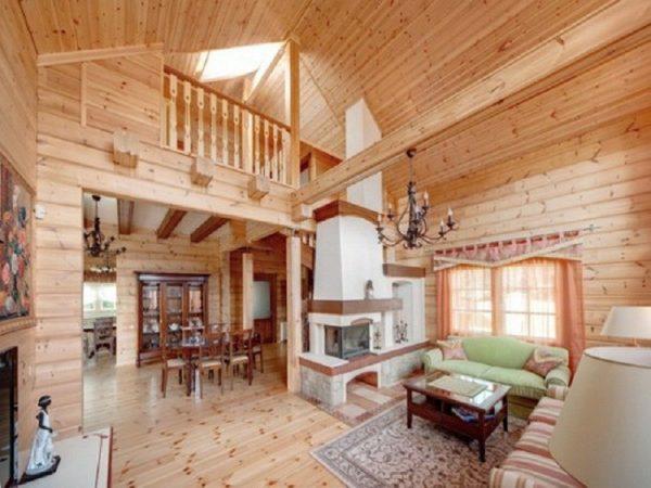 Идея оформления деревянного дома