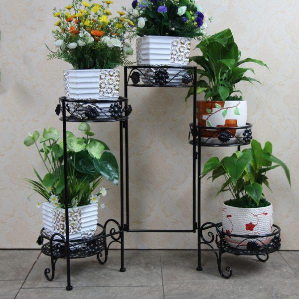 Полки для цветов в интерьере