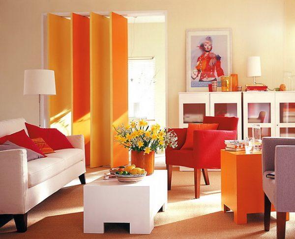 Сочетание красно-оранжевой цветовой гаммы в интерьере