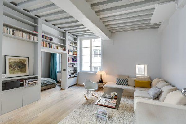 Небольшая квартира в минималистском стиле.