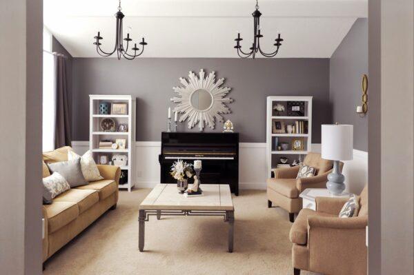 Светлая гостиная в стиле арт деко