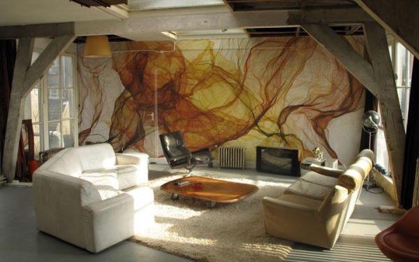 Абстрактная фреска в интерьере гостиной