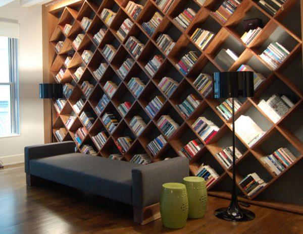 Стеллаж для книг в интерьере в стиле хай тек