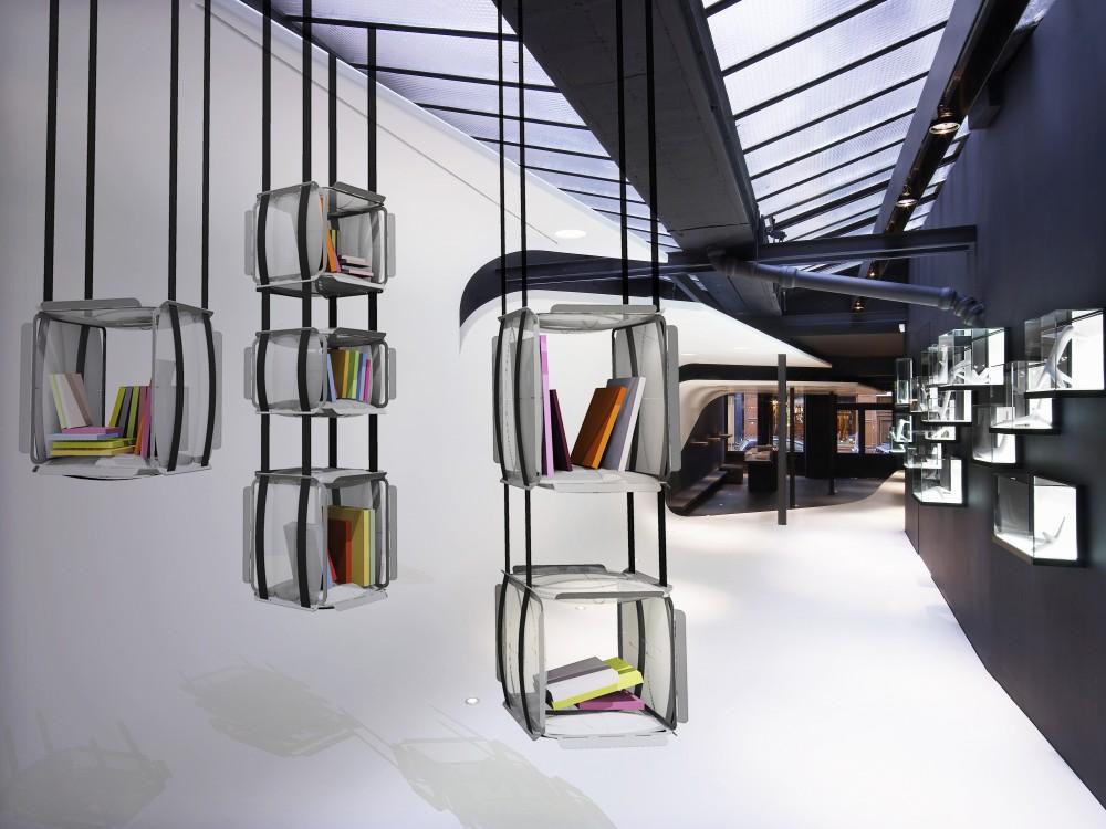 Подвесные полки для интерьера в стиле поп-арт или арт-деко