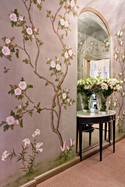Фреска с цветочным орнаментом