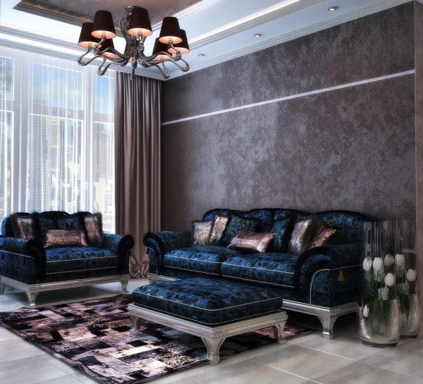 Роскошный синий диван в коричневой гостиной