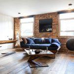 Лофт стиль в интерьере: обивка дивана джинсой