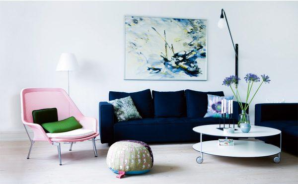 Сочетание синего и белого цвета в интерьере