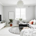 Белые стены и потолок - отличительная черта скандинавского стиля