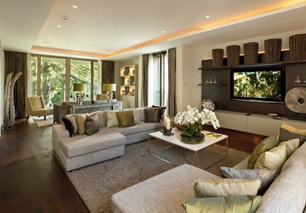 Большая уютная гостиная