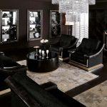 Черная мебель в шоколадной гостиной