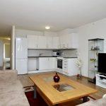 Цветовое решение и мебель для кухни-гостиной