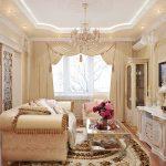 Мебель с позолотой в гостиной