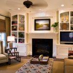 Кантри-камин в современной гостиной