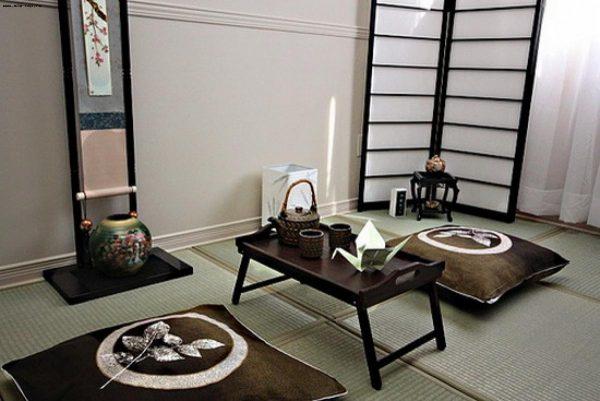 Чайный столик в японской гостиной