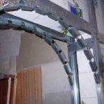 Установка профильного каркаса для арки
