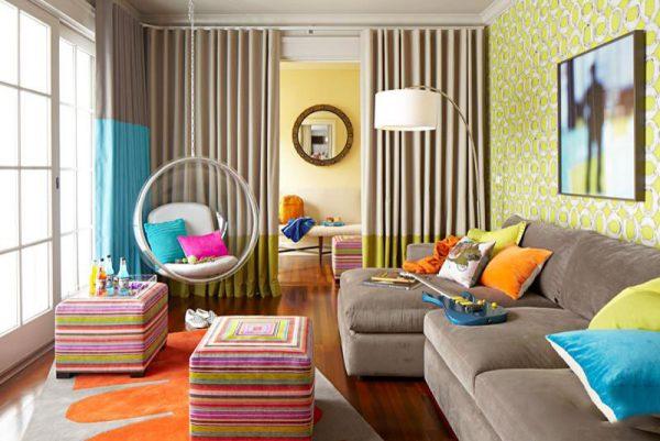 Интерьер гостиной детской, зонирование шторой