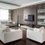 Коричневые обои белая мебель в современной гостиной