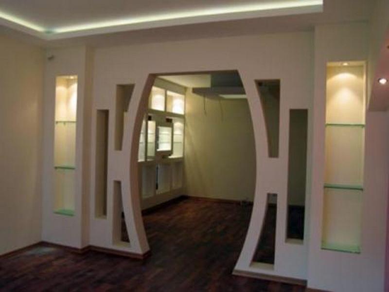 Арка со стеклянными полочками из гипсокартона