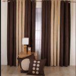 Бежево-коричневые шторы для гостиной