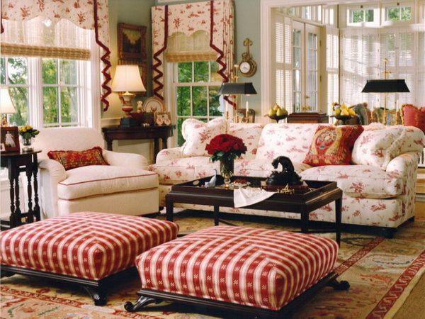 Вариант расстановки мебели в гостиной в кантри стиле