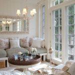 Интерьер гостиной с плетеной мебелью