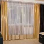 Двухцветные шторы в гостиную
