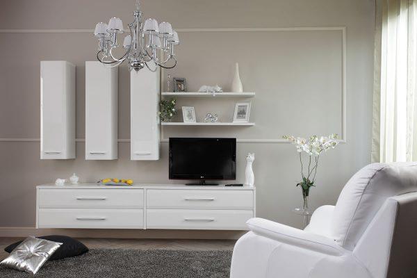 Интерьер гостиной с белой мебелью фото