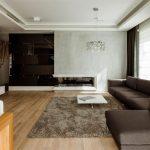 Комфортная гостиная в коричневых тонах