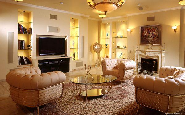 Освещение гостиной с камином