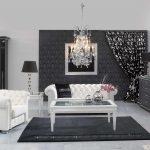 Дизайн гостиной с белой мягкой мебелью